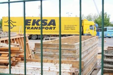 Camión de transporte de toboganes desde Turquía